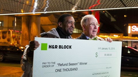 H&R Block sweepstakes winner in Chicago CTA station
